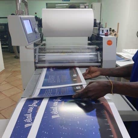 Pelliculage à chaud de documents imprimés