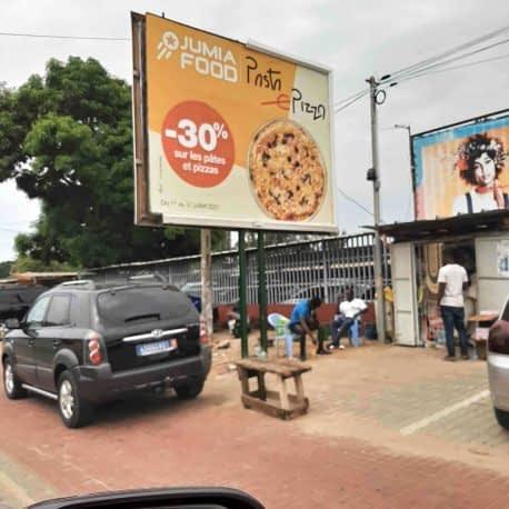 affiche 4X3 dos bleu Jumia Food